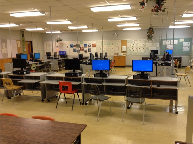 A picture of a computer lab